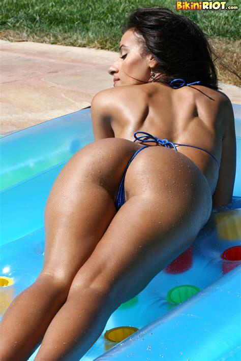 bikini thong clips jpg 800x1200