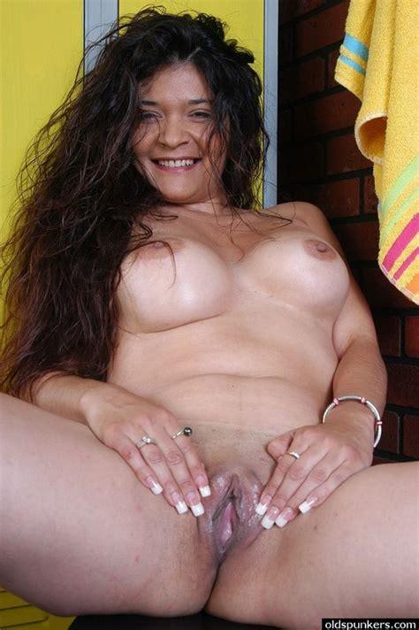 Mature latinas sensual mothers jpg 532x800